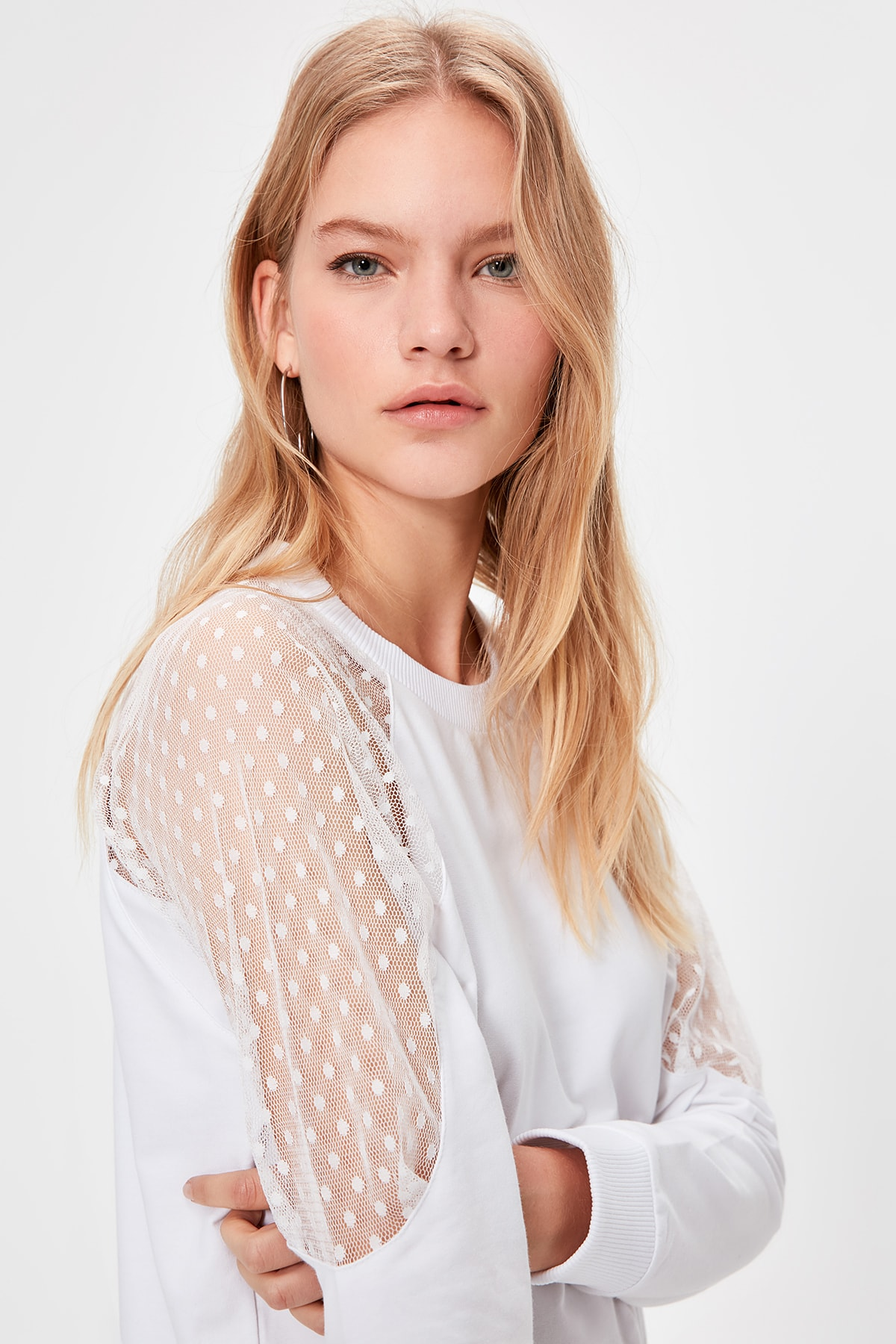 Trendyol Tulle Detailed Knitted Sweatshirt TWOAW20SW0194