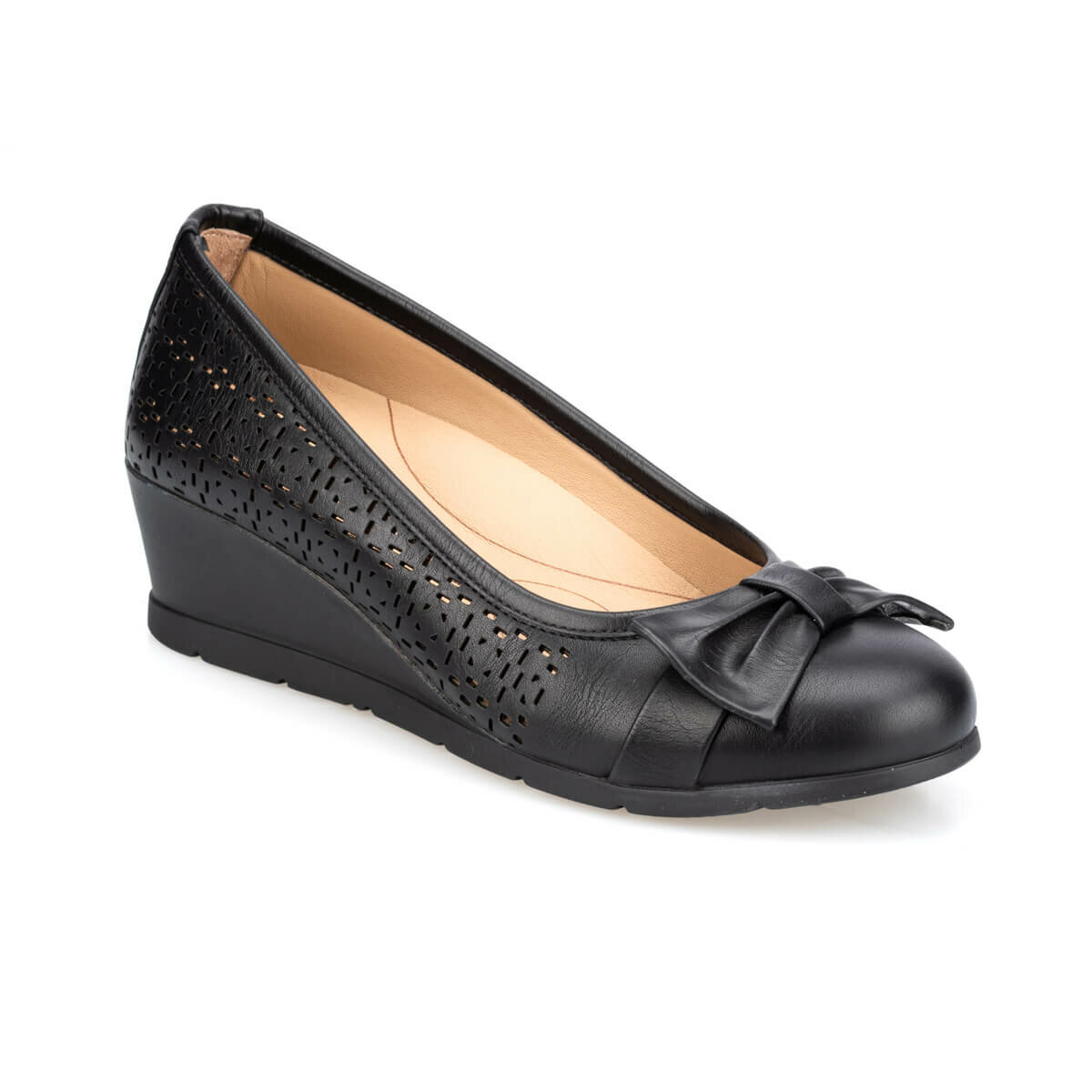 FLO 91. 100655.Z Black Women Shoes Polaris 5 Point