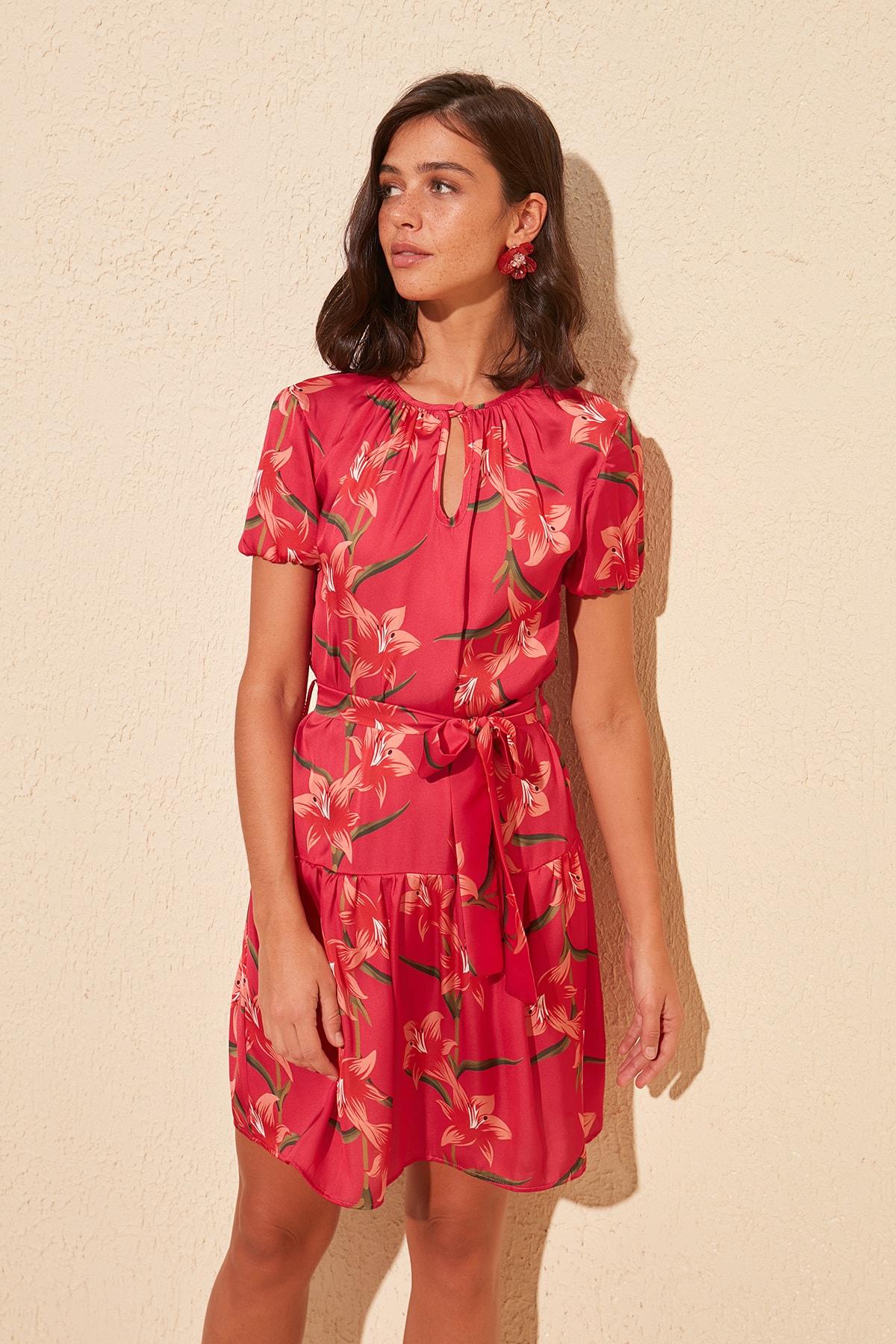 Trendyol Decorated Belted Dress TWOSS20EL1343
