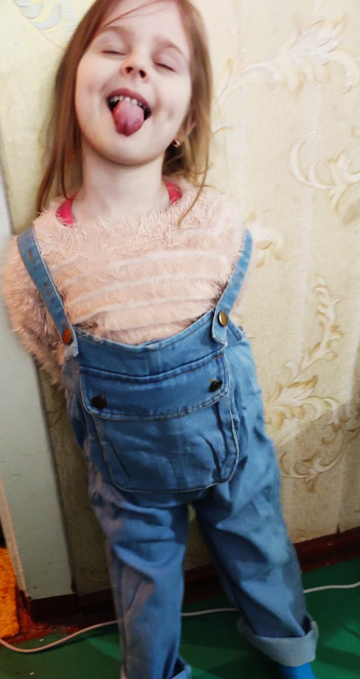2020 New Girls Fashion Denim Overalls Cute Pocket Jeans For Little Girls 1-5 Years Old Children's Clothing Pants Brand photo review