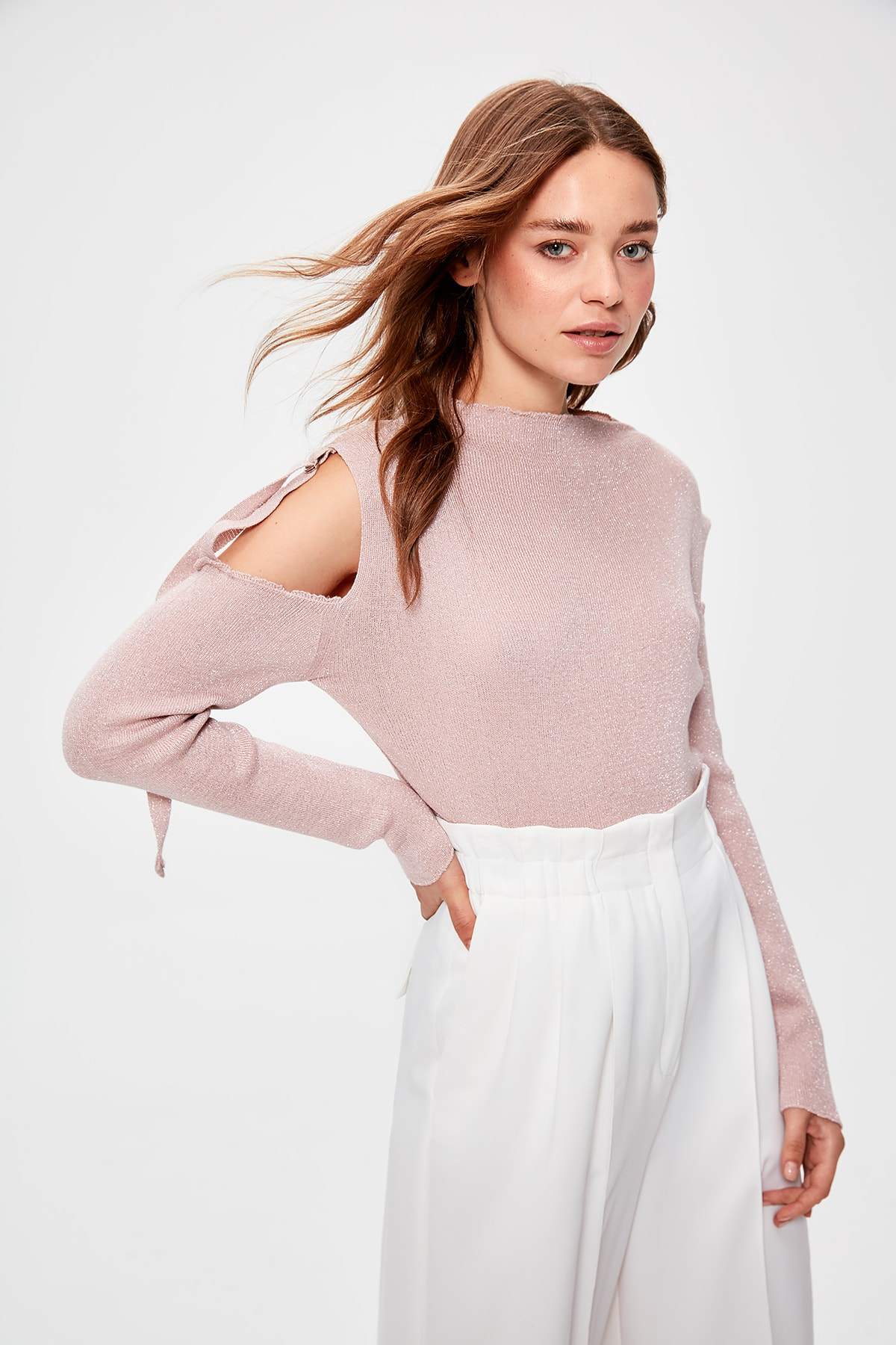 Trendyol Powder Silvery And Cut-Out Detail Sweater Sweater TWOAW20BZ0472