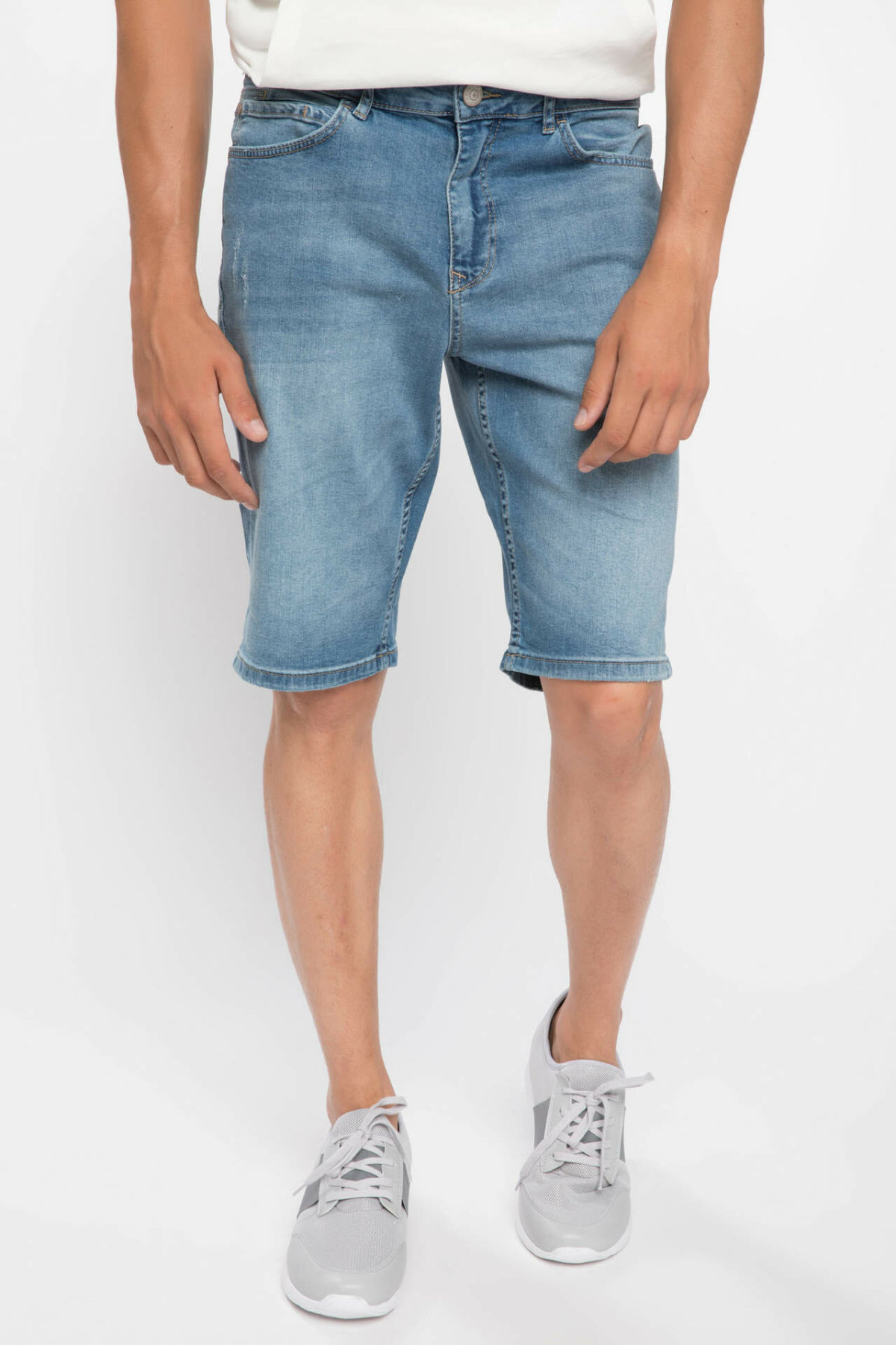 DeFacto Man Trousers-J0689AZ18AU