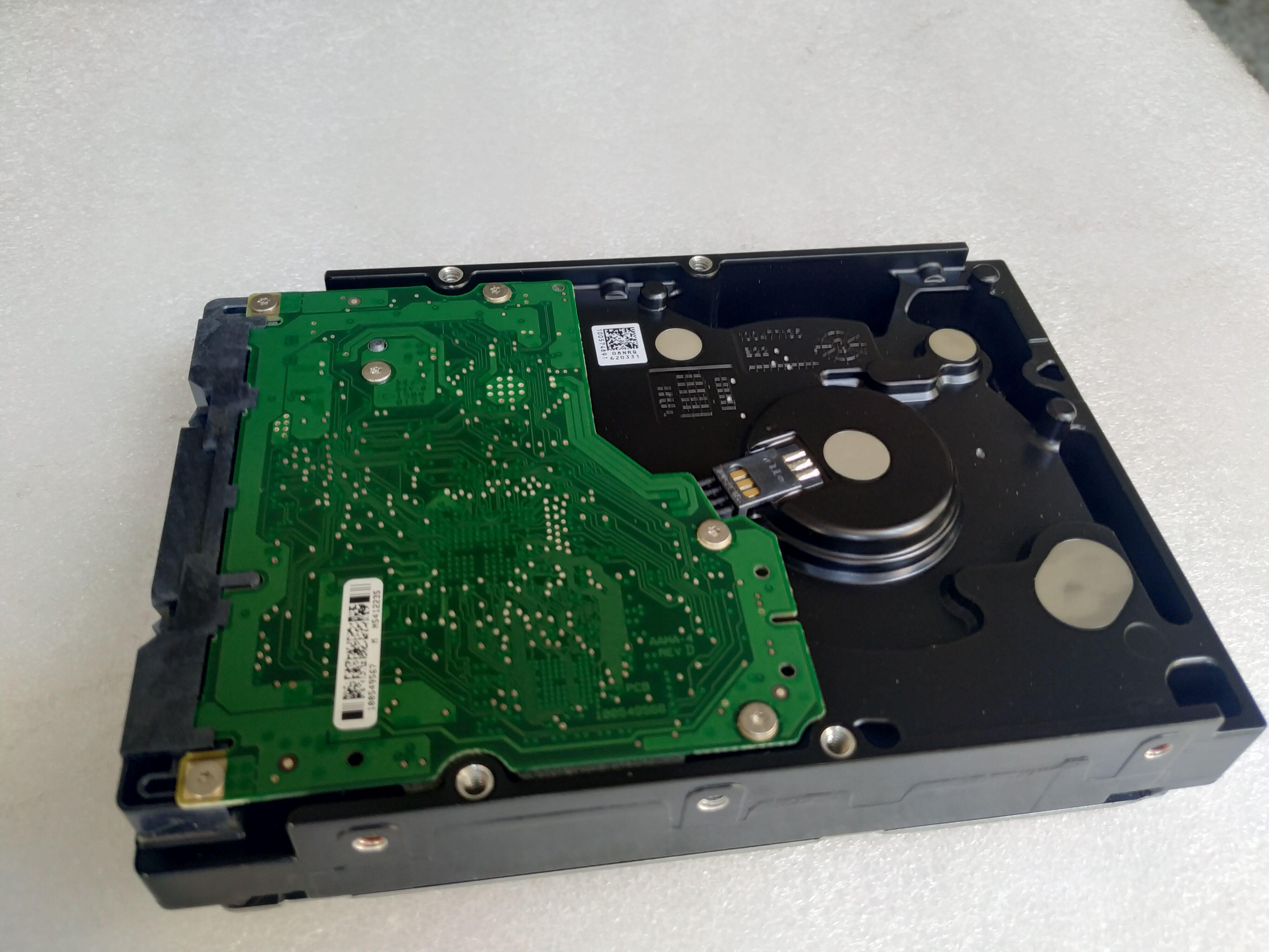 Seagate Cheetah 300GB 15K.7 Hard Drive ST3300657FC SAS w//Tray