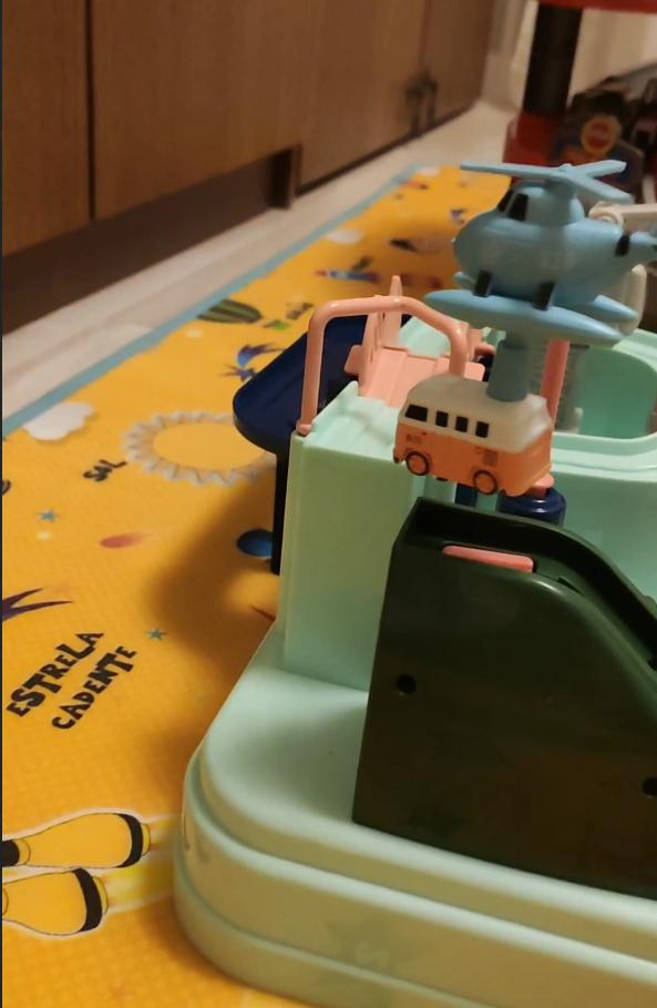 -- Educação Railcar Brinquedo