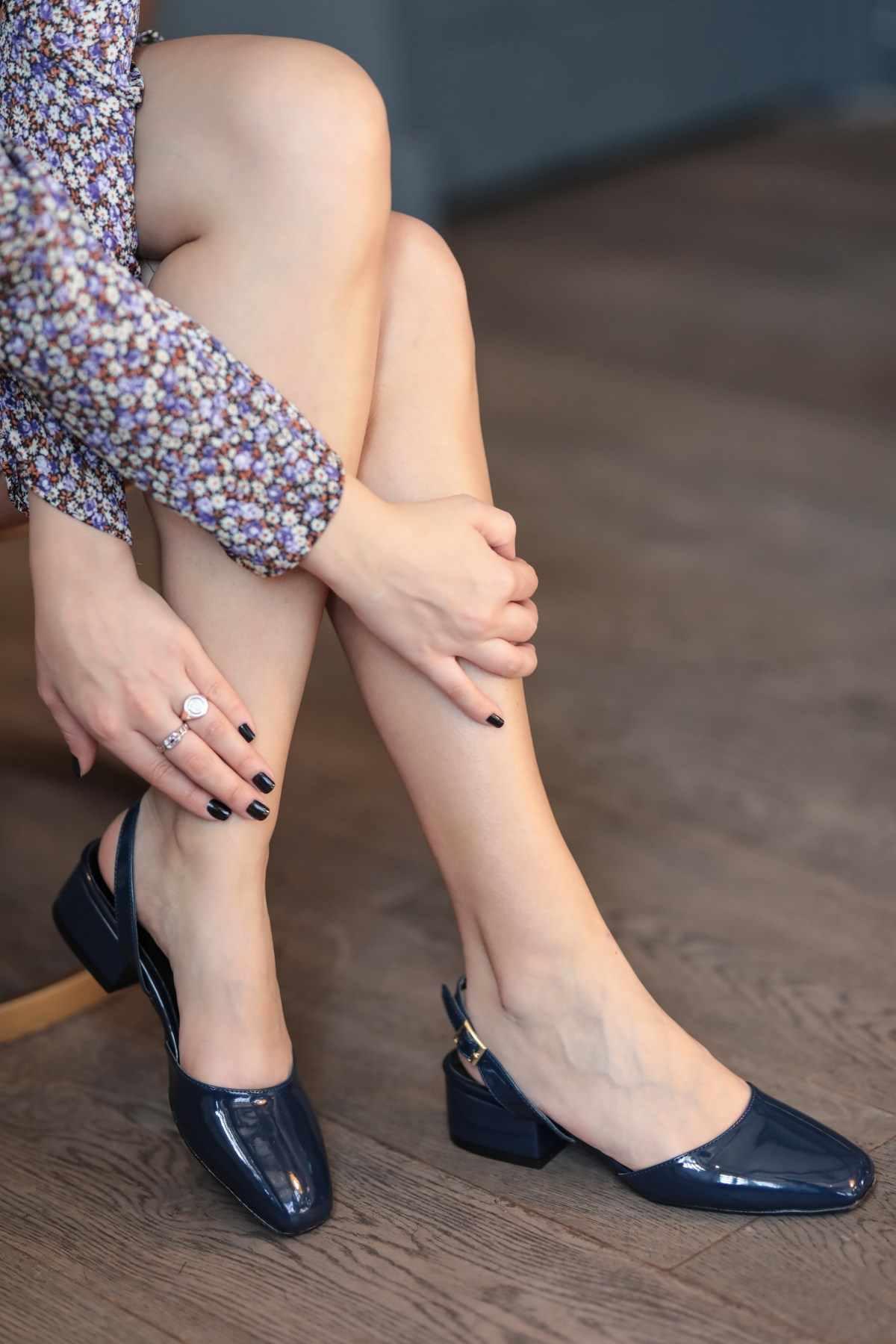 Hào Quang Hải Quân Xanh Dương Bằng Sáng Chế Da Gót Giày Cao Gót Nữ Công Sở Cưới Giày Gót Vuông Cổ Điển 2020 Thời Trang Mới