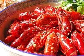 小龙虾到底干不干净 吃了小龙虾拉肚子怎么办-养生法典