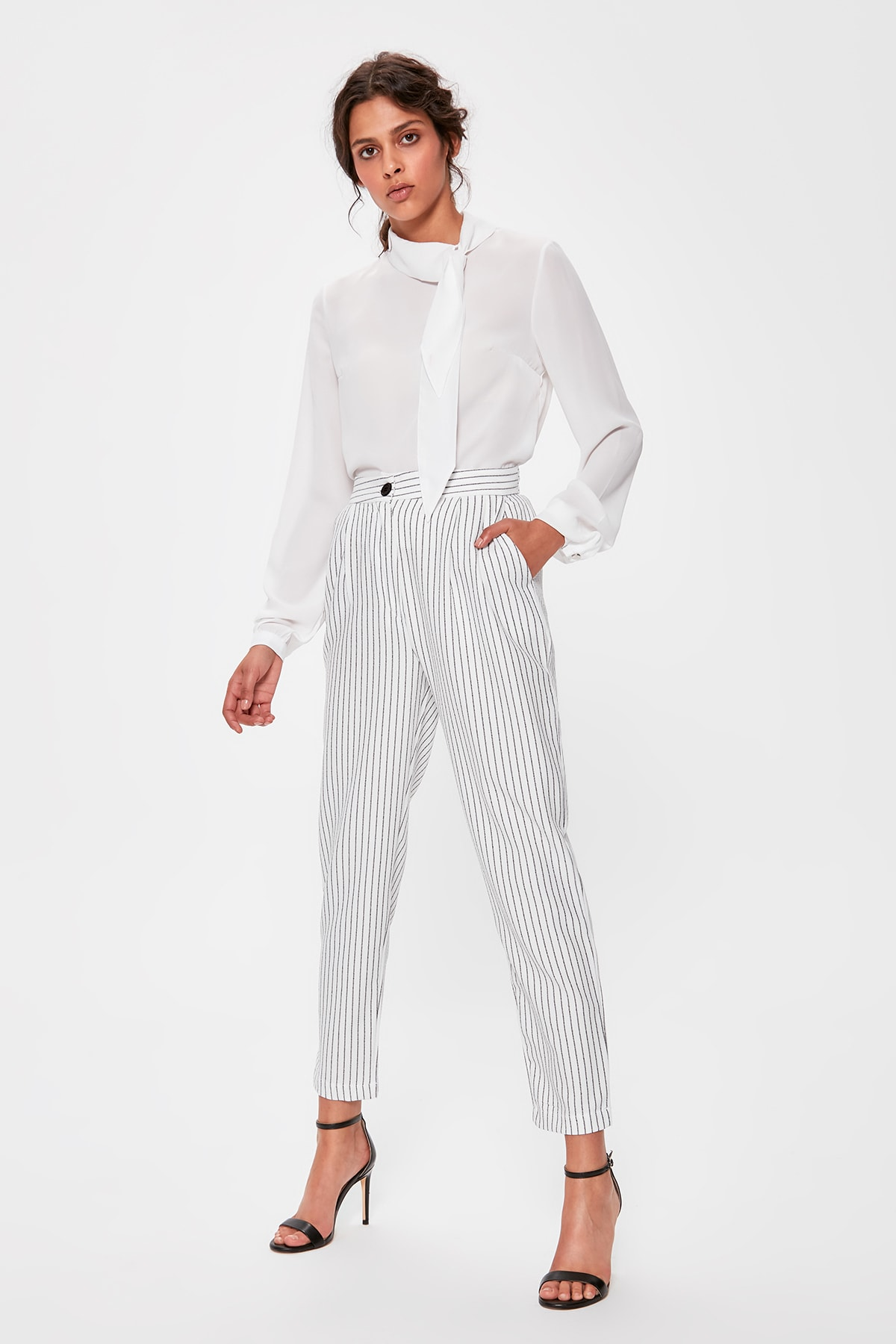 Trendyol White Striped Pants TWOAW20PL0102