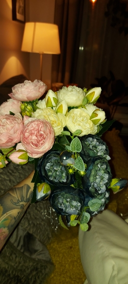 30cm Artificial Flowers Bouquet photo review