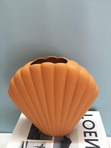 Handmade Ceramic Minimalist Nordic Shell Vase photo review