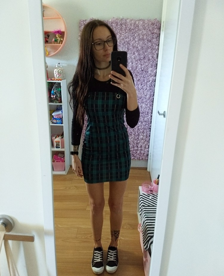 Viifaa Green Plaid Bodycon Dress Women Back Tie Cut Out Sexy Party Dress Spaghetti Strap Summer Mini Dresses photo review