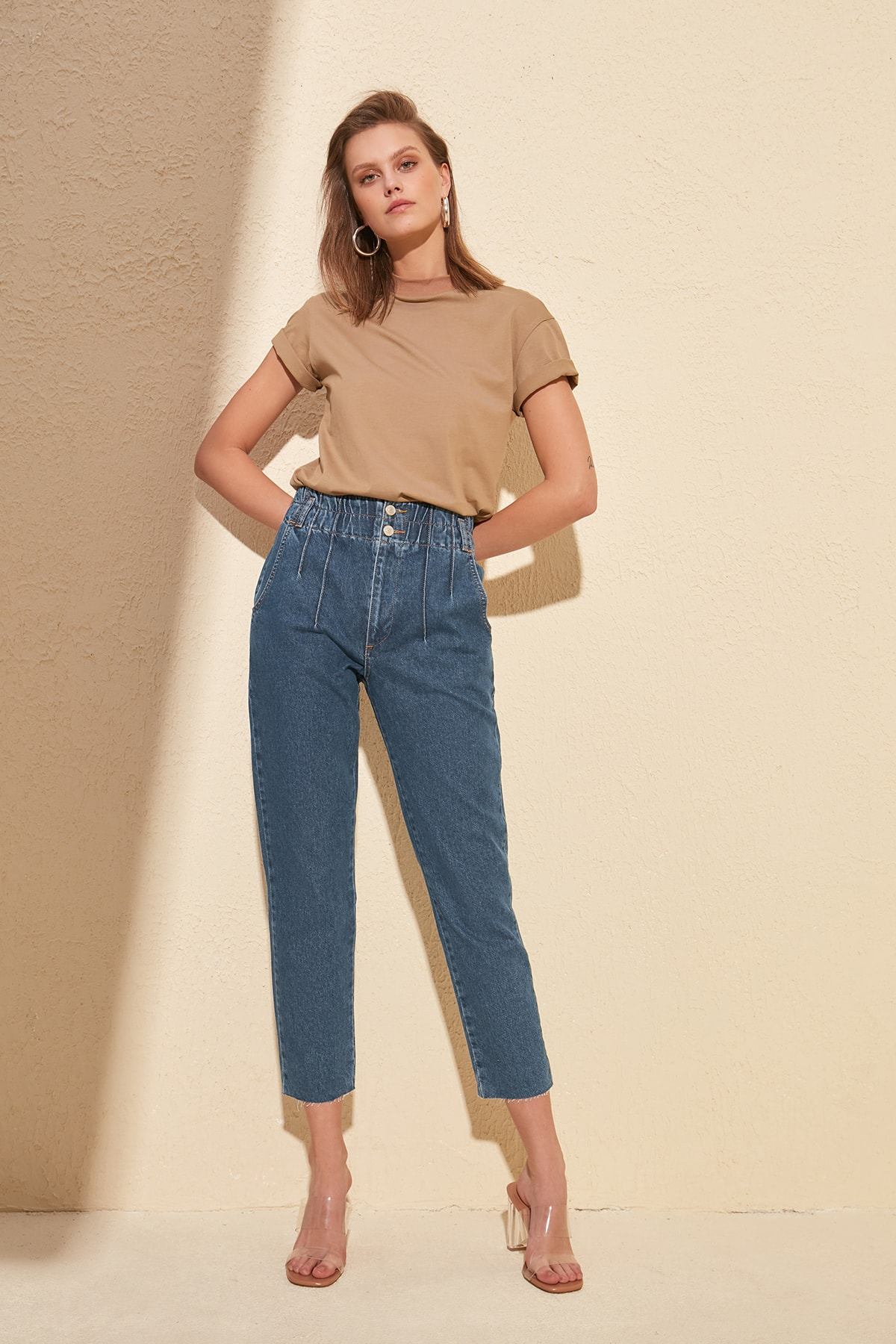 Trendyol Beli Wheel High Bel Mom Jeans TWOSS20JE0067