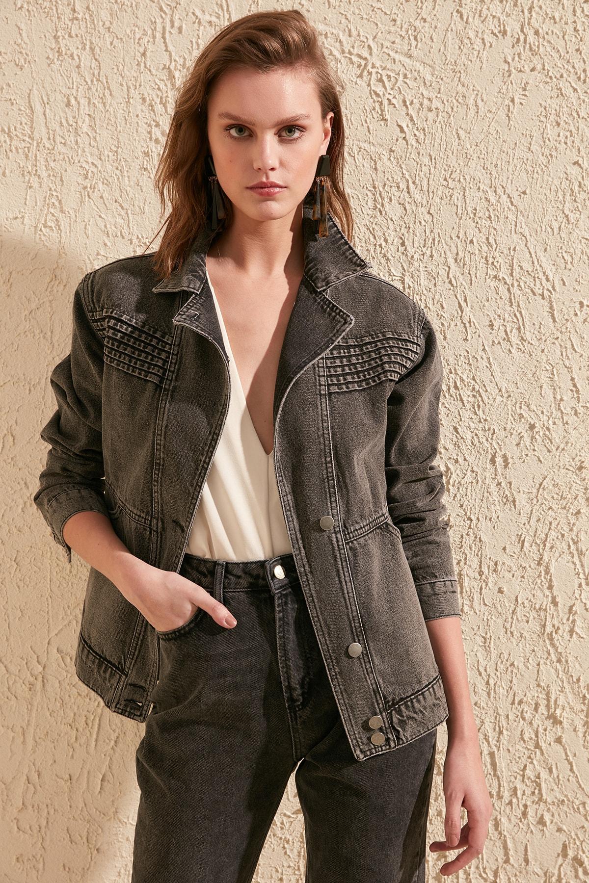 Trendyol Stitch Detail Denim Jacket TWOSS20CE0084