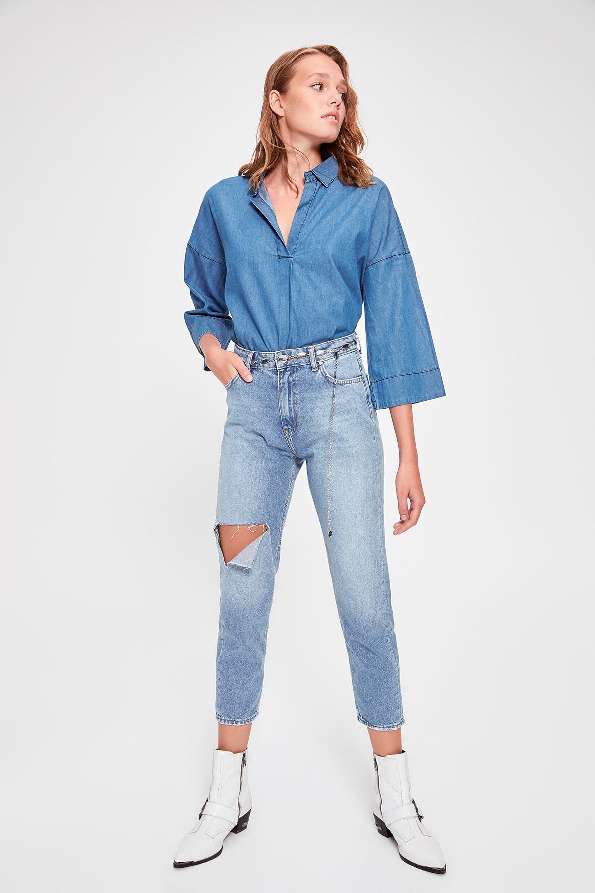 Trendyol Blue Ripped Detailed High Bel Mom Jeans TWOAW20JE0197