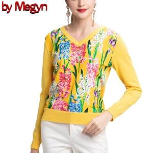 Image 1 - 2019 свитер женски de moda de la manga larga de las mujeres de cuello en V moda suéter 2XL amarillo flor prenda de punto impresa de lana de alta calidad