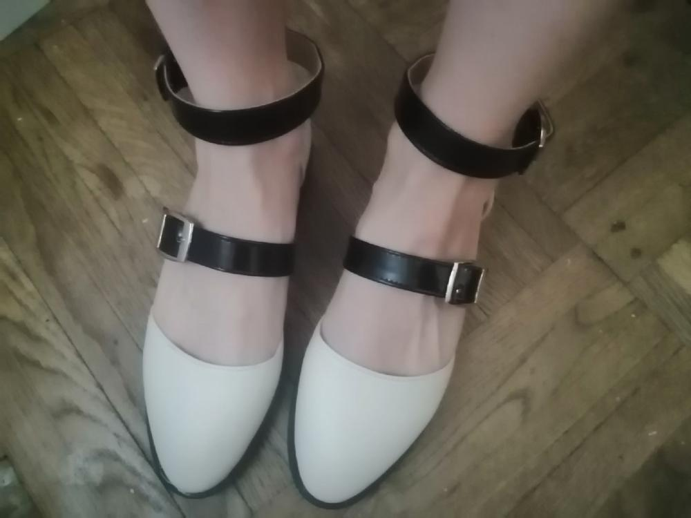 -- sandálias Mulheres sapatos