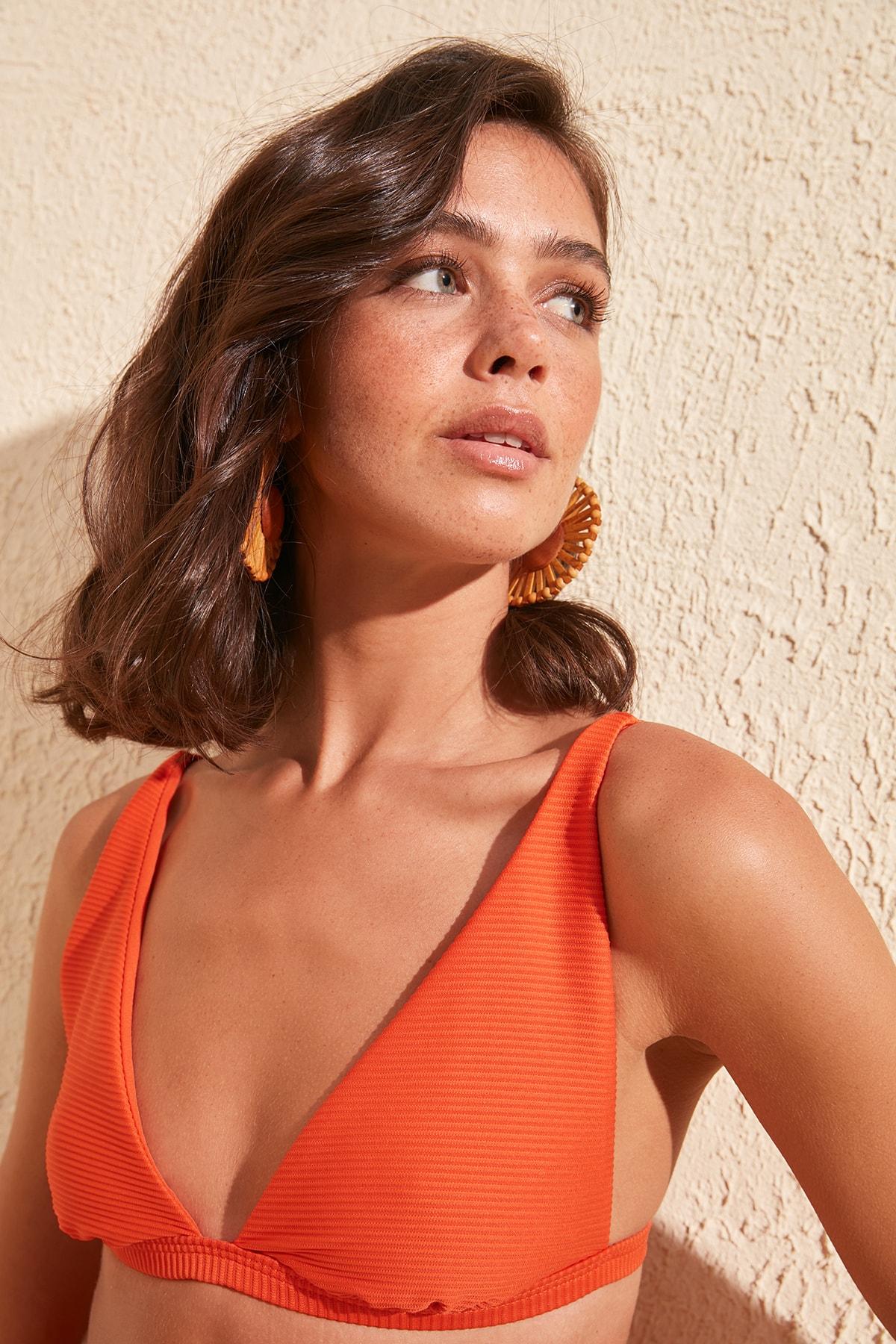 Trendyol Textured Long Triangle Bikini Top TBESS20BU0401