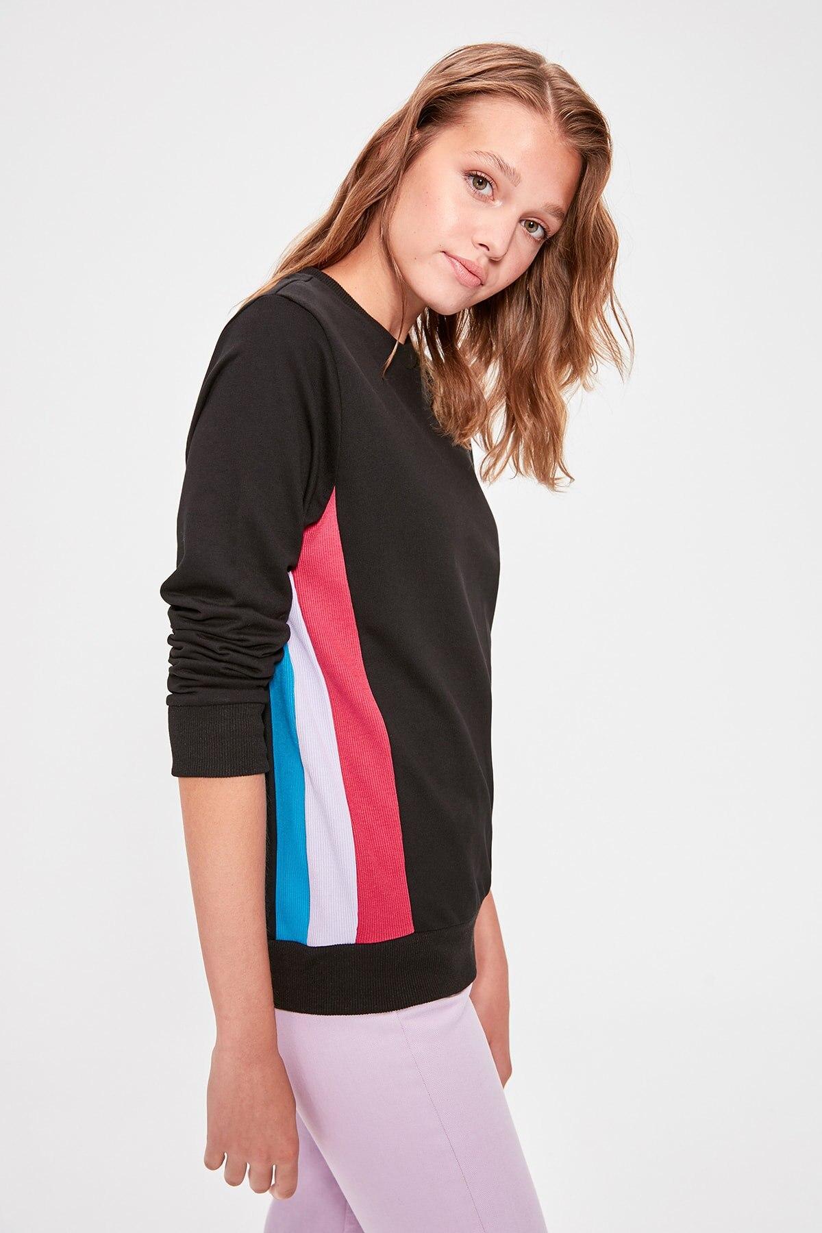Trendyol Black With Color Block Knitted Sweatshirt TWOAW20SW0183