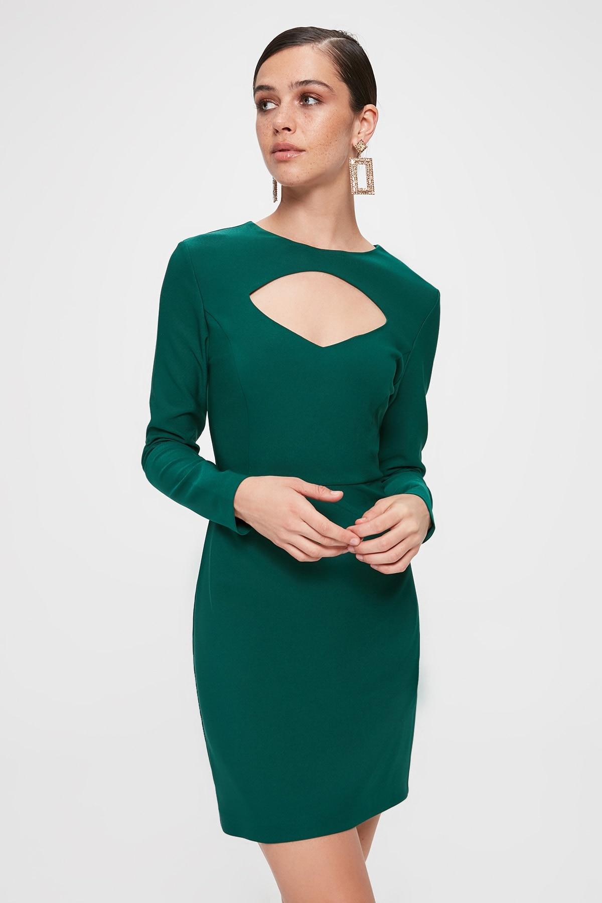 Trendyol Collar Low-Cut Dress TPRAW20EL1959