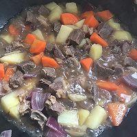胡萝卜土豆炖牛腩的做法图解6