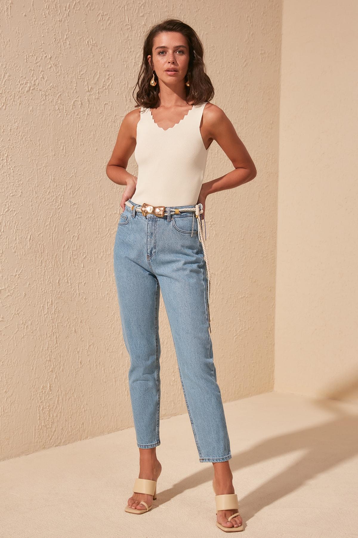 Trendyol High Bel Mom Jeans TWOSS20JE0298