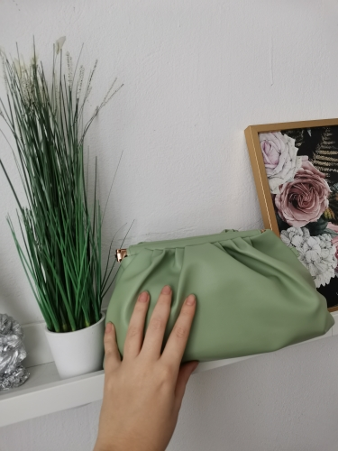 2021 Day Clutch Thick Gold Chains Dumpling Clip Purse Bag Women Cloud Underarm Shoulder Bag Pleated Baguette Pouch Totes Handbag photo review