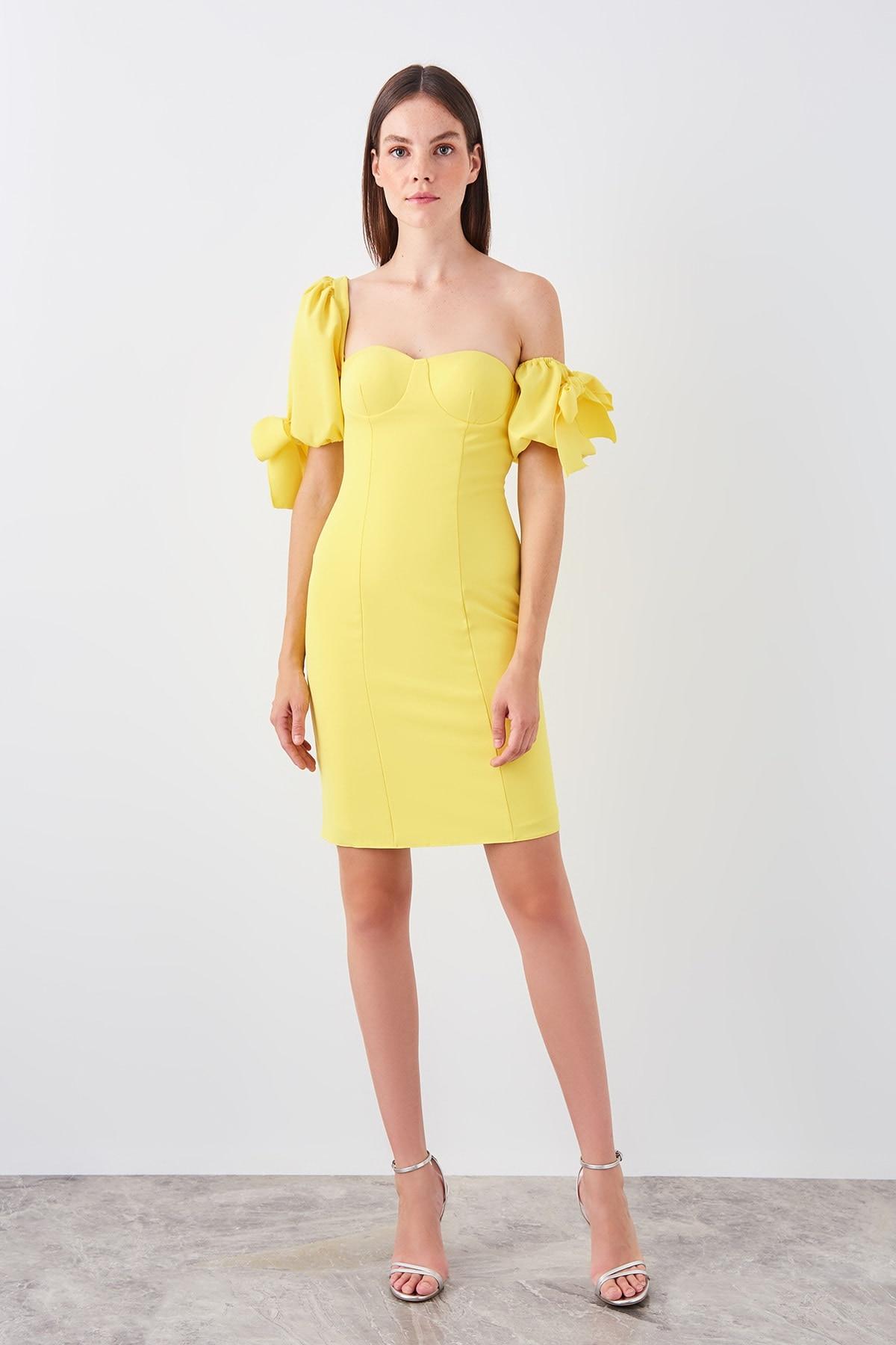 Trendyol Yellow Puff Sleeve Detail Dress TPRSS19EL0333