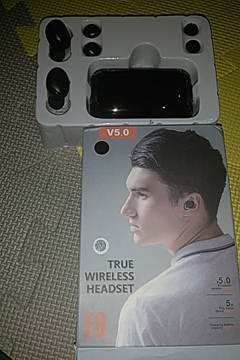 High Quality F9 TWS Wireless Earbuds photo review