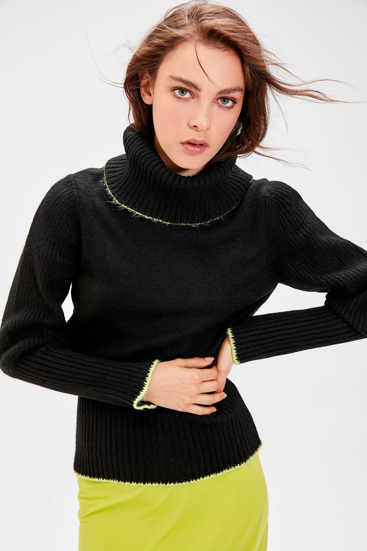 Trendyol Black-Throated Ribbon Detail Sweater Sweater TWOAW20KZ0005