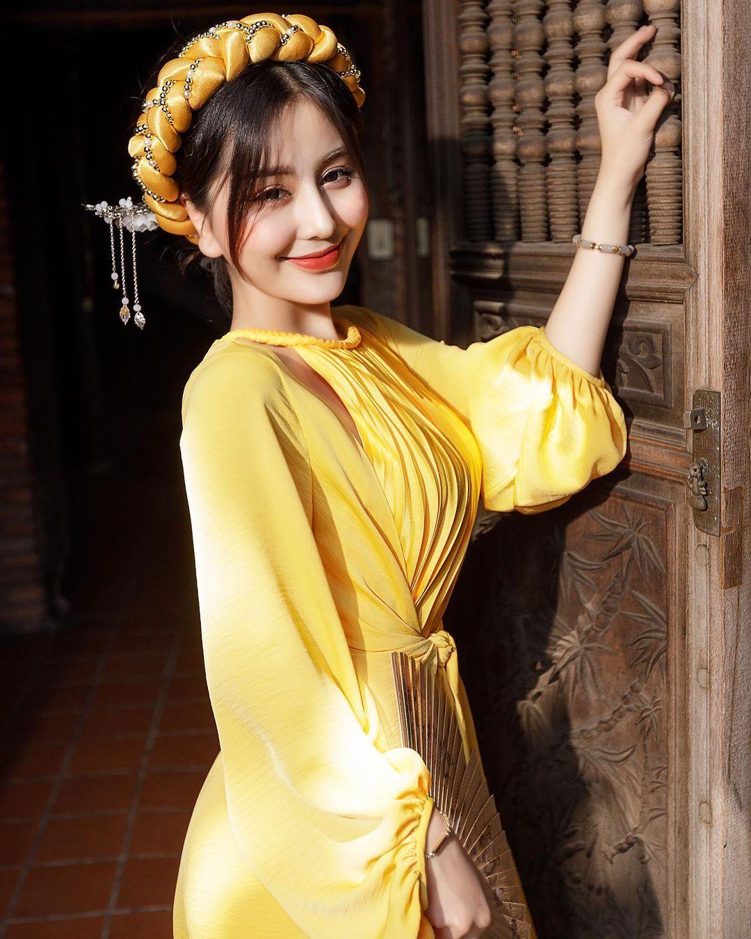越南超人气网美「Chin」逆天身材看着就肾上激素上升~插图8