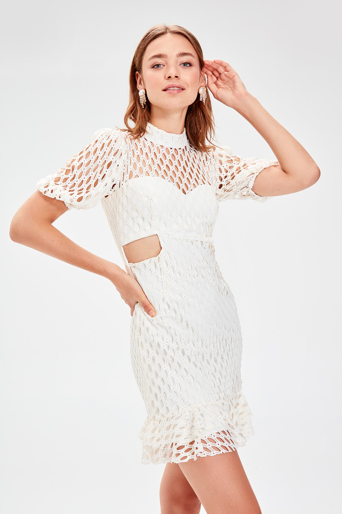Trendyol Waist Low-Cut Lace Dress TPRSS19WU0031