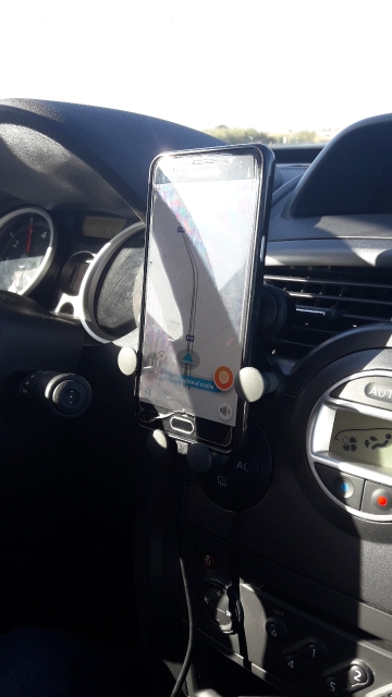 Gravity Car Phone Holder photo review