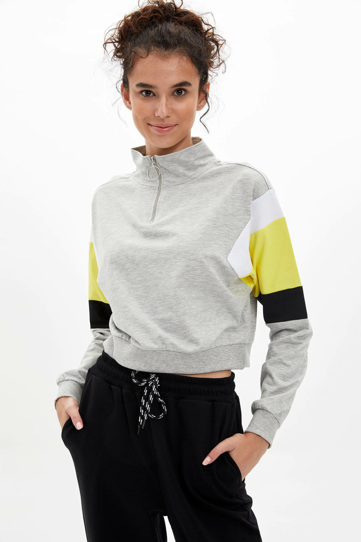 DeFacto Woman Fashion Simple Stand Collar Zipper Loose Pullovers Long Sleeves Casual Pullover Women Autumn New - L9733AZ19AU