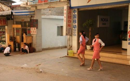 在缅甸住着一群纯正的汉族后裔,生活和中国一样,那就是果敢