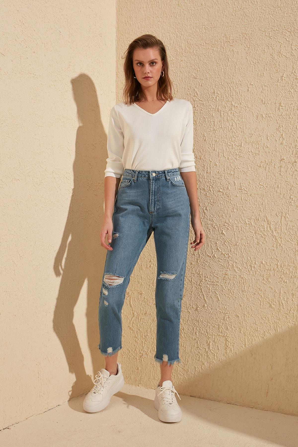 Trendyol Ripped Detailed High Bel Mom Jeans TWOSS20JE0114