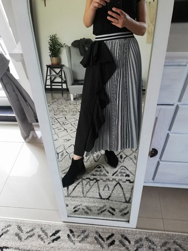 Summer Fashion Women Clothes Thin Striped Elastic Ruffles Contrast Colors A Line Halfbody Skirt photo review