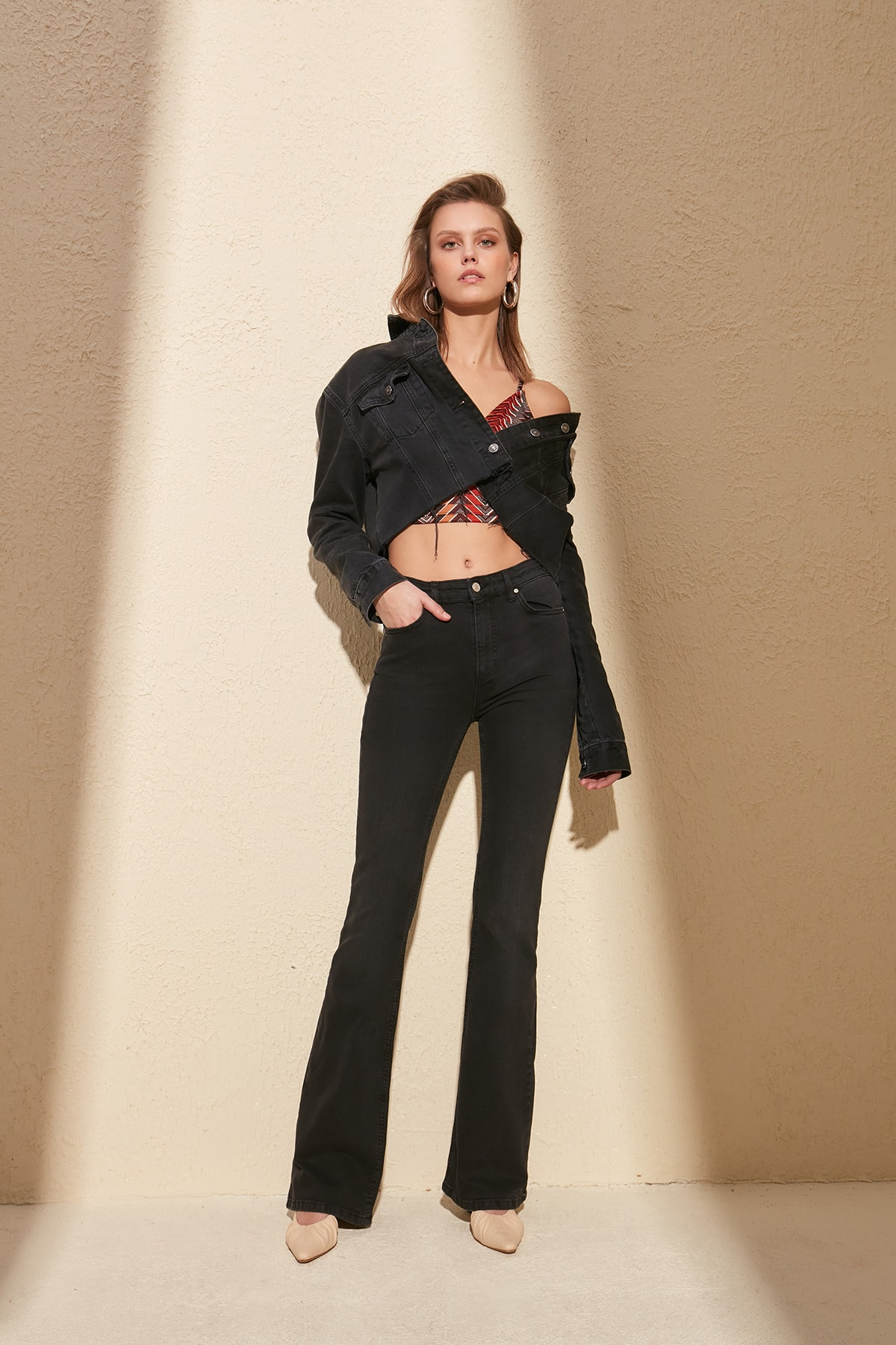 Trendyol High Waist Flare Jeans TWOSS20JE0064