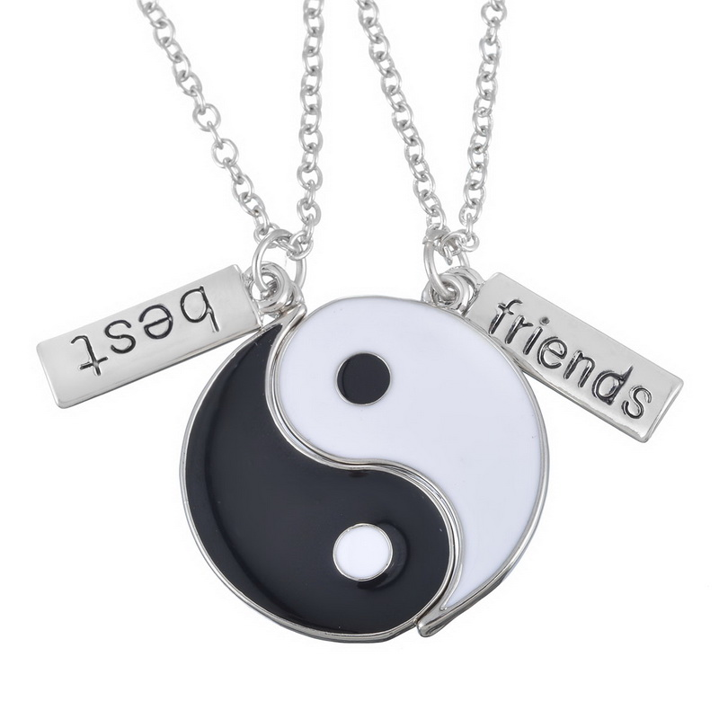 2 pieces new popular Best Friends Necklace Jewelry for friend Broken Heart Necklace Female <font><b>Children</b></font> <font><b>BF</b></font> Friendship Gift image