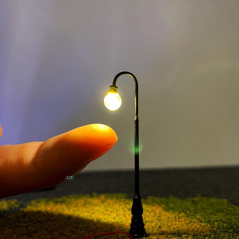 3PCS N Scale Model Railway Lamppost LED Park Lanterns Street Lamp/Model Classic Goose-neck Park Lamp Post/Train/Railroad Layout