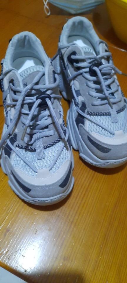 Zapatillas deportivas de malla transpirable para mujer, zapatos informales de tacón grueso con plataforma de 5cm, color blanco