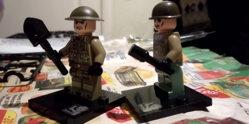 Military Assembly Weapons WW2 Crooked Handle Guns Building Block Army Engineer Shovel Soldier Equipment Moc Model Child Gift Toy photo review