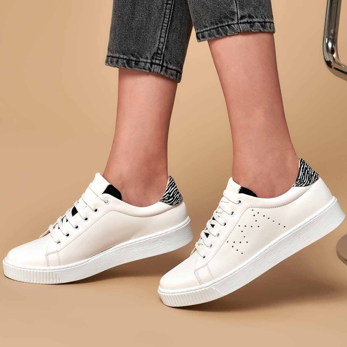 FLO 19K-123 White Women 'S Sneaker Shoes BUTIGO