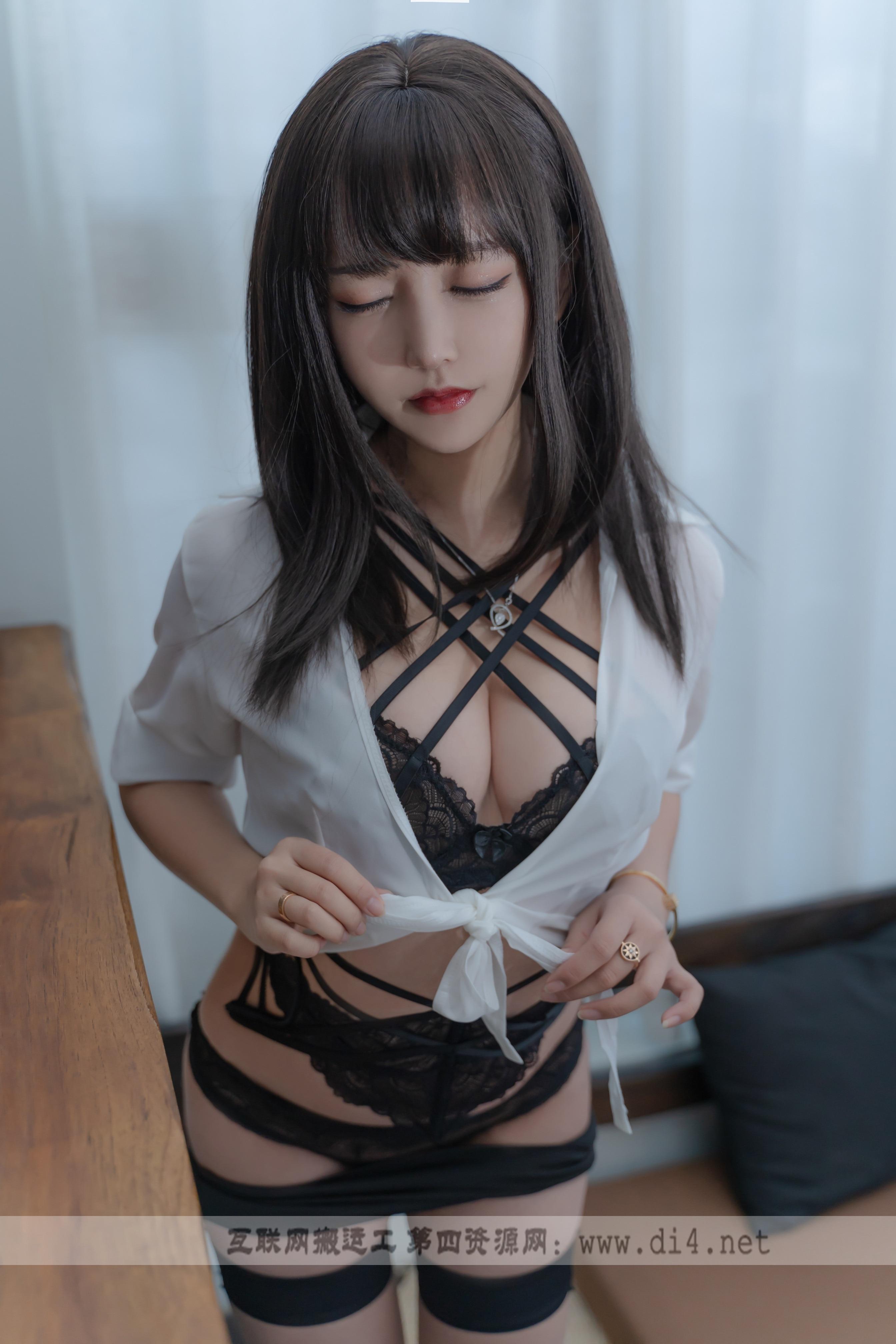 斗鱼主播@过期米线线喵 2套最新作品合集[89P/166M]