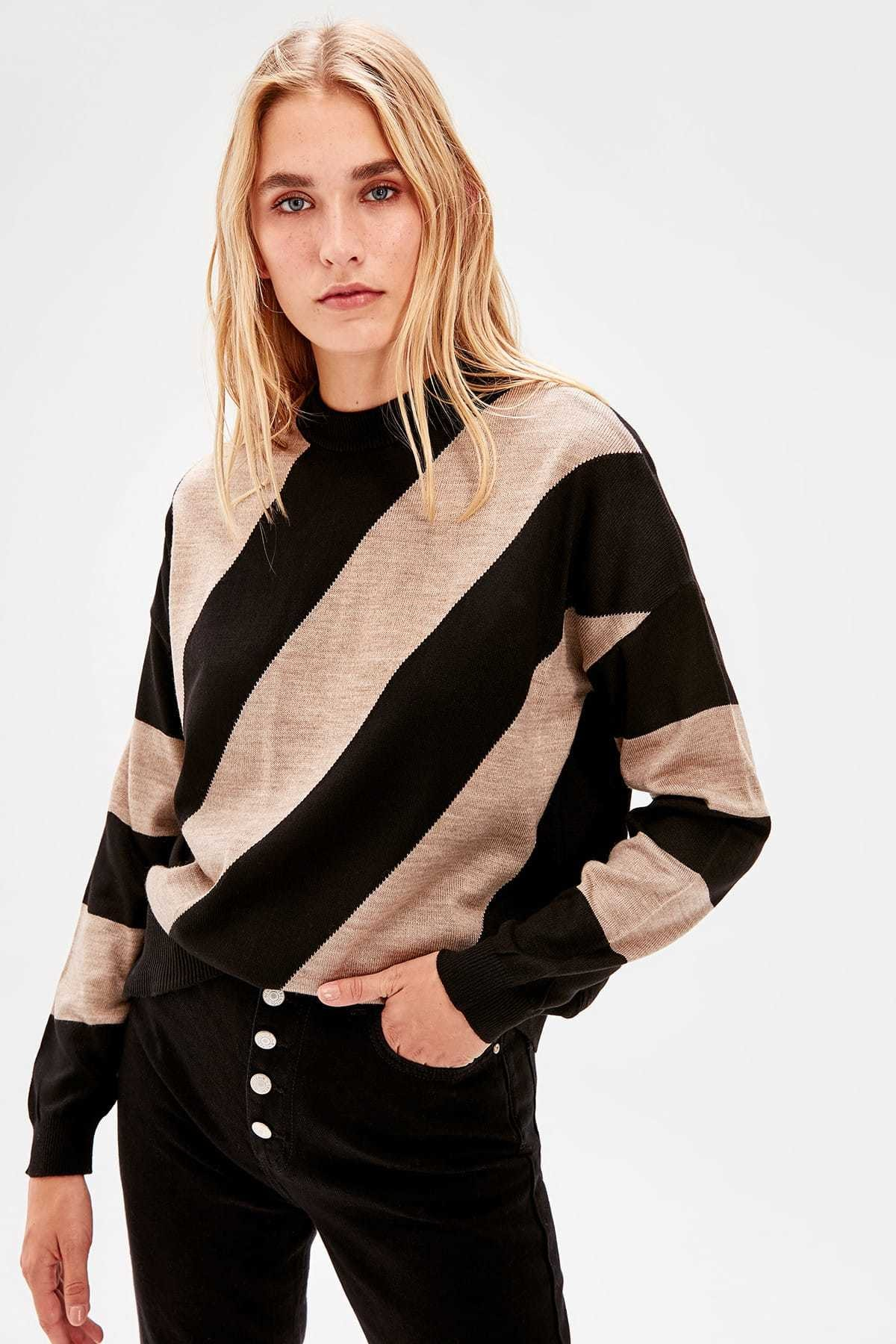 Trendyol With Color Block Knitwear Sweater TWOAW20KZ0909