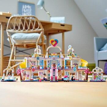 Конструктор LEGO Friends Торговый центр Хартлейк Сити 6