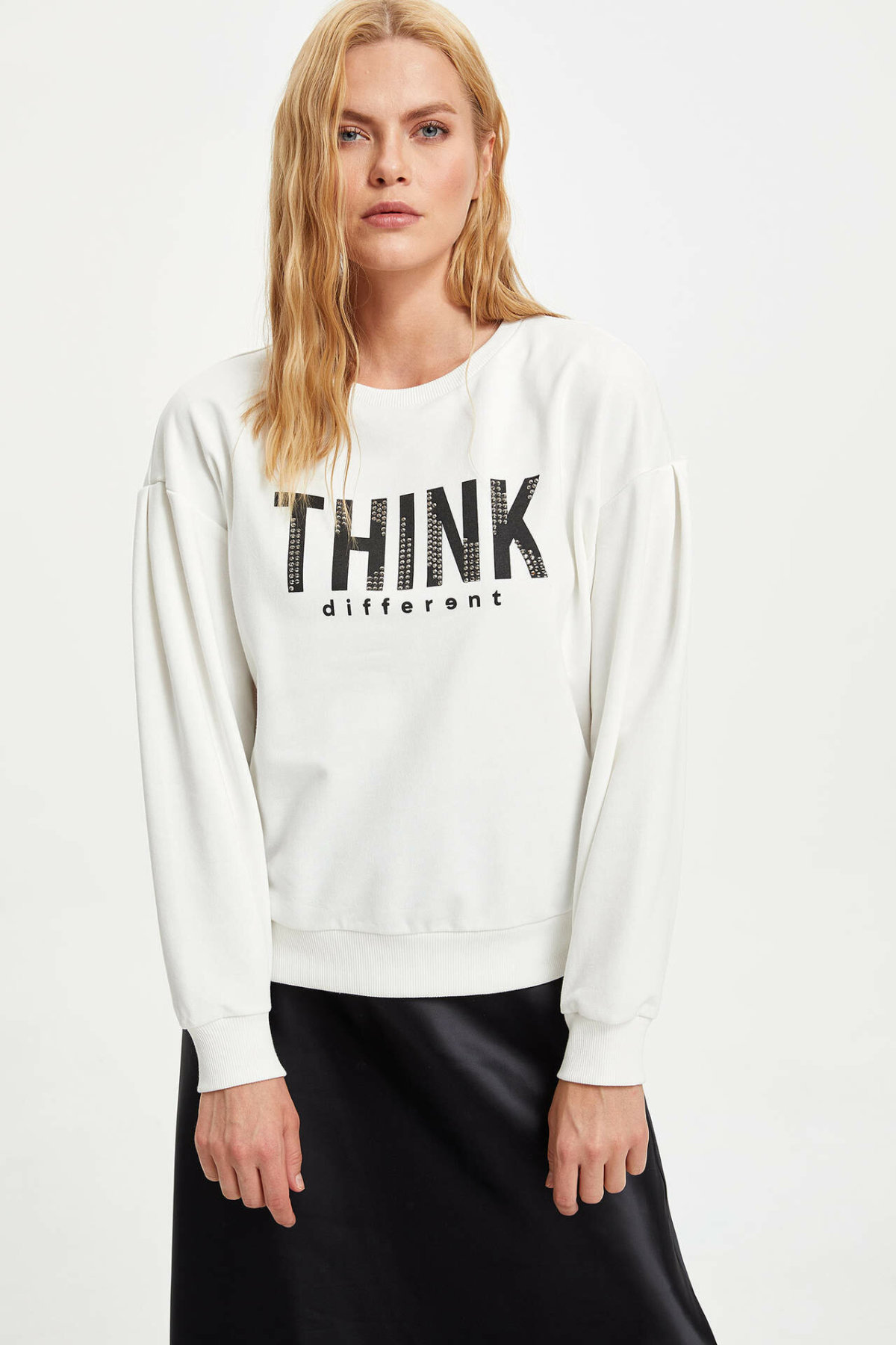 DeFacto Woman Fashion Crewneck Sweat Shirt Ladies Casual Letter Pattern Long Sleeves Pullovers Female Loose Tops- M3334AZ19AU