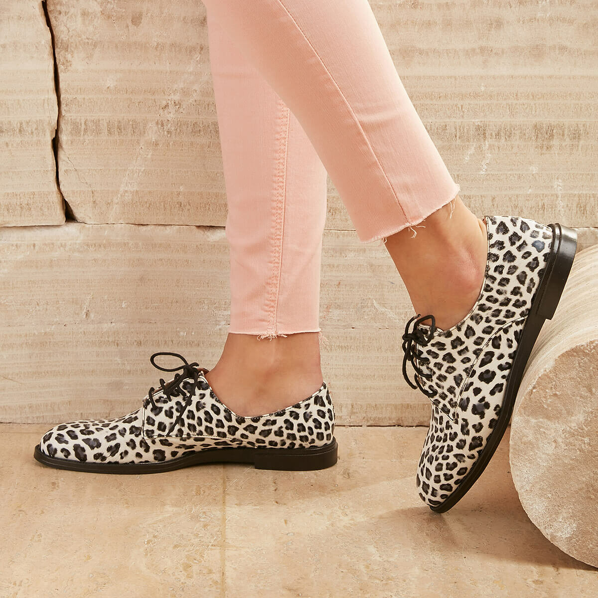 FLO 2020 Spring Women Oxford Shoes Leopard Ballerina Flats Shoes Women Moccasins Lace Up Loafers Women Oxford Shoes BUTIGO DENNIS01Z SKIN