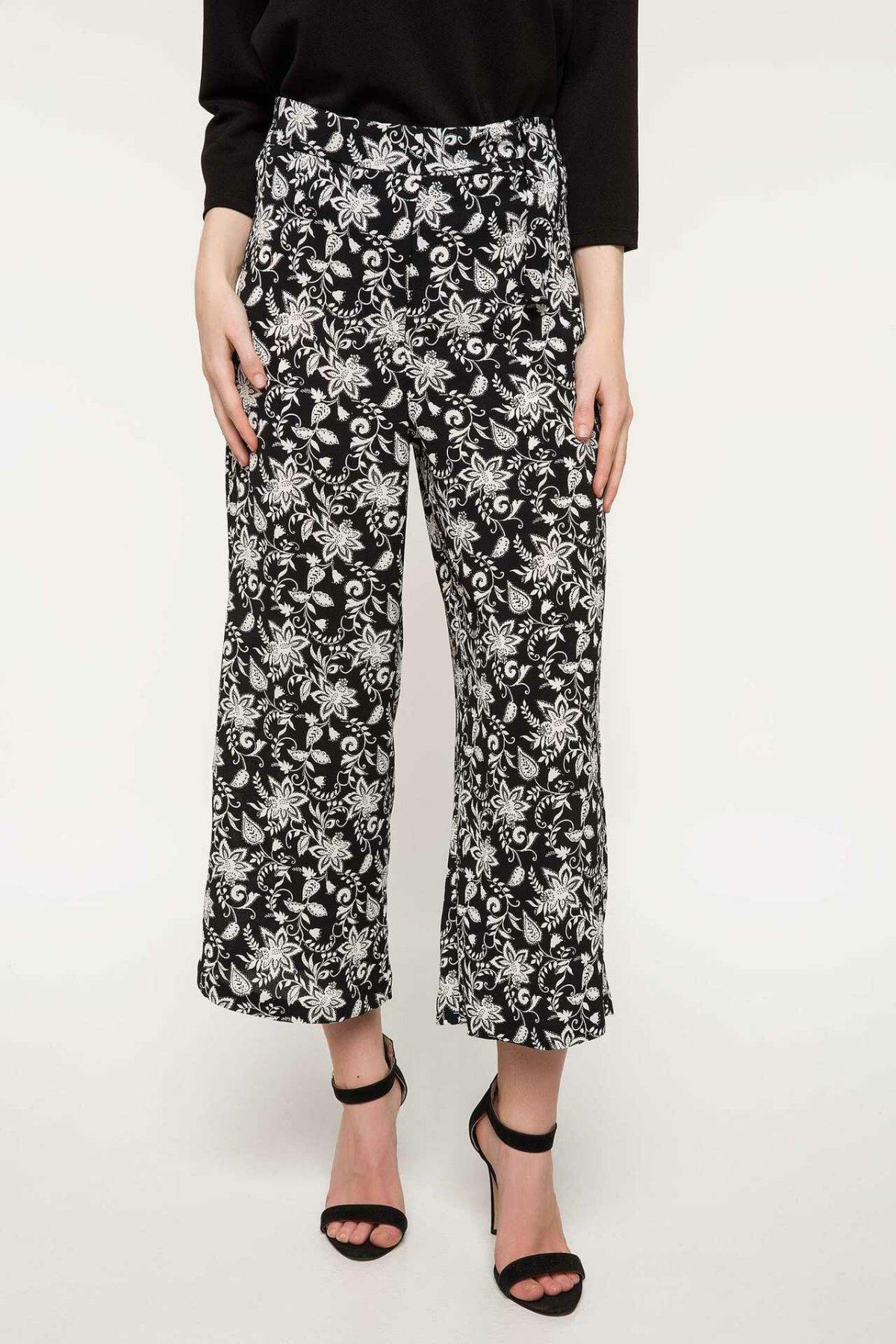 DeFacto Spring Stylish Wide Leg Pants Women Casual White Black Striped Floral Prints Loose Bottoms Women Trousers-I9923AZ18SP