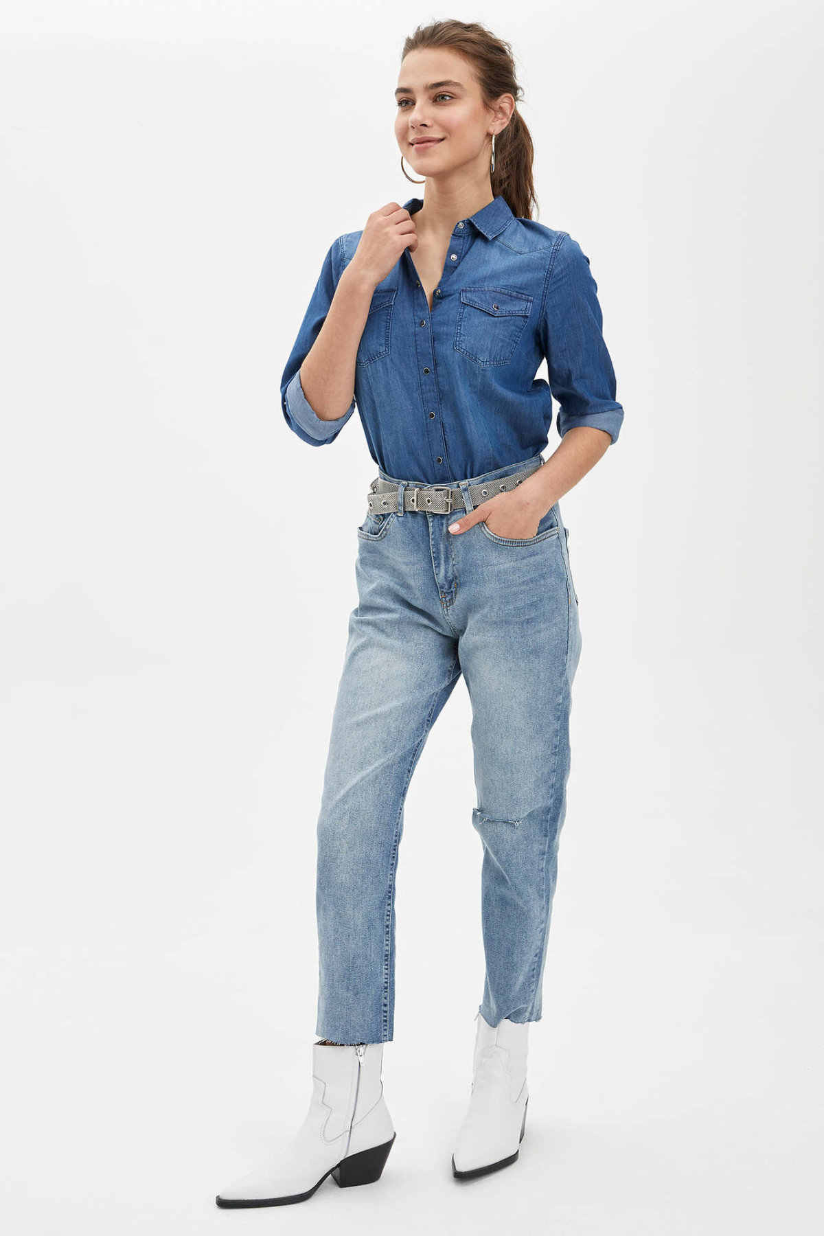 DeFacto Frau Frühling Blau Denim Jeans Frauen Casual Ripped Holes Denim Hosen Frauen Gerade Denim Bottom-R1671AZ20SP