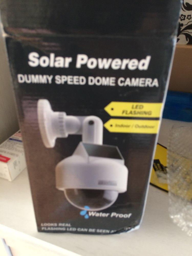 太陽能模擬虛擬攝像機監控安全半球型偽監控攝像機室外/室內閃爍紅色LED燈