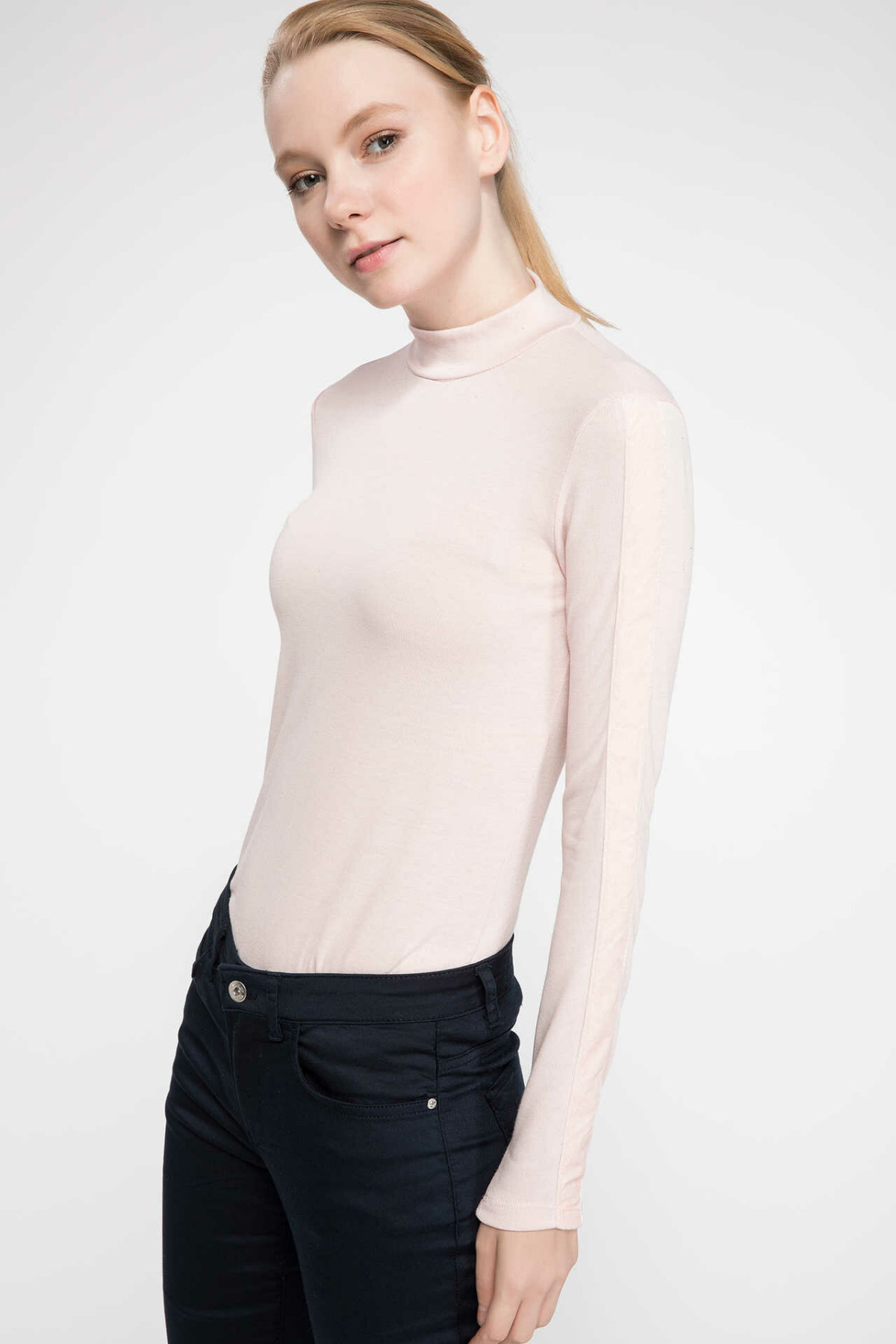 DeFacto Woman Long Sleeve Pullovers Solid Color Women Autumn Knitted Pullovers Body Fit Women Top Cloth-J2586AZ18AU
